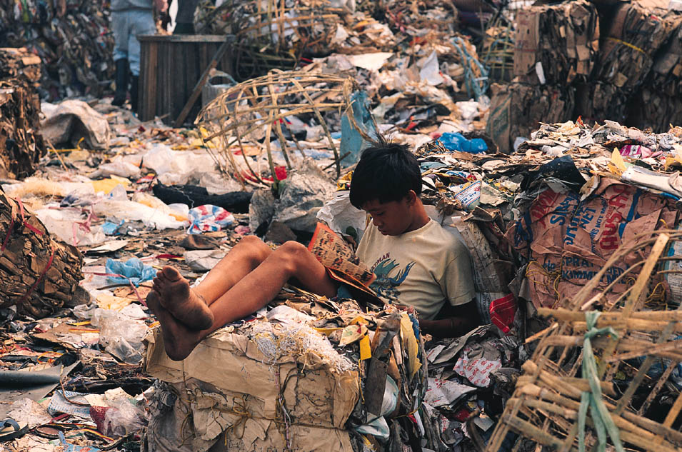 The 2 Faces of Slum Tourism in Manila