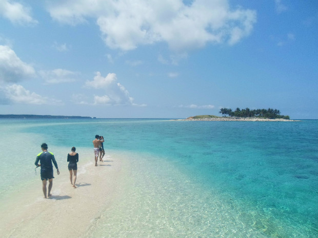 Tinalisayan Island in Masbate: Another Sandbar to Discover