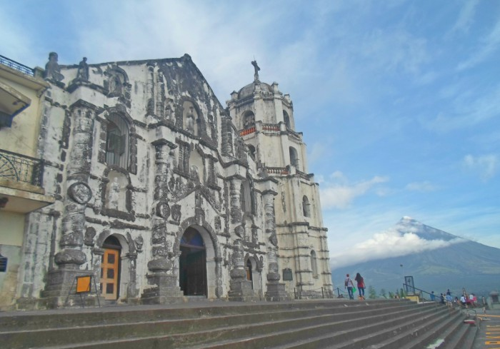 Daraga Church: History and the view of Mayon Volcano