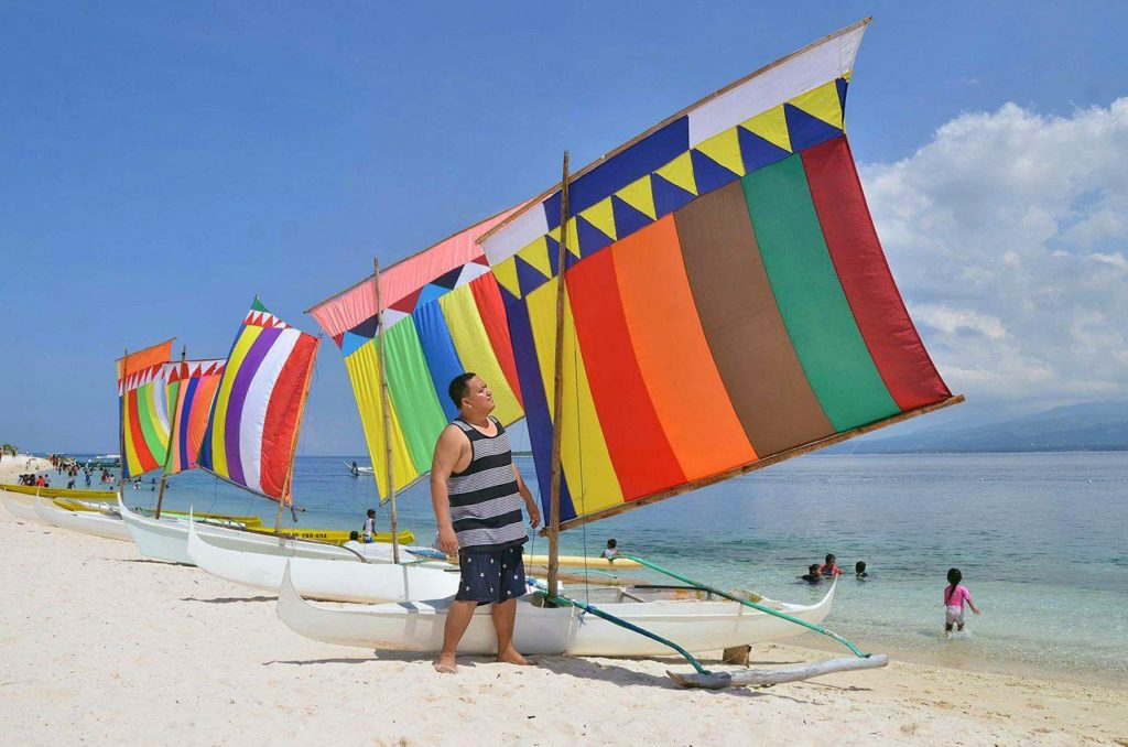 Sta. Cruz Island: The Pink Beach of Zamboanga