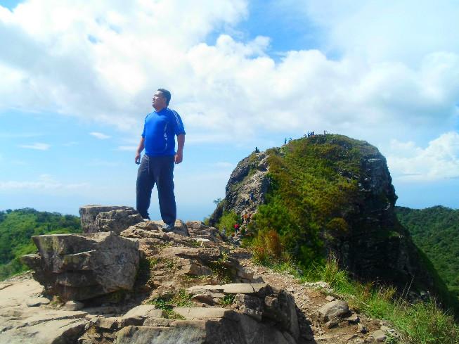 monolith pico de loro jontotheworld mountain climbing