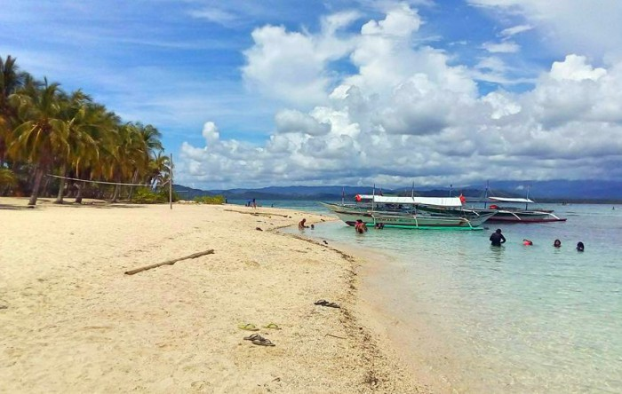 Maniwaya Island: Chillin' and Lovin' in Marinduque